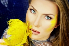 lilia-nogal-berlin-make-up-yellow