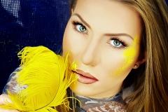 lilia-nogal-berlin-make-up-yellow