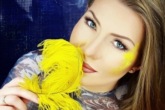 make-up-yellow